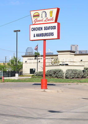 Good Luck Hamburgers, Chicken and Seafood in South Dallas, Texas