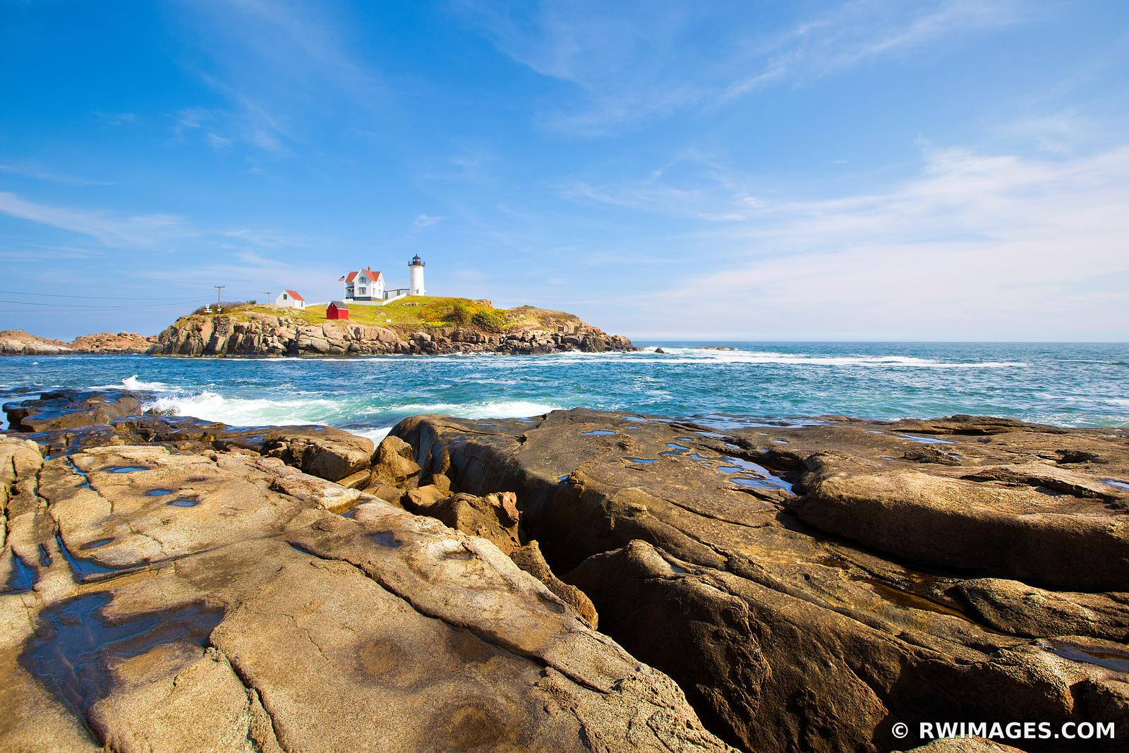 ROCKY COAST NUBBLE LIGHT CAPE NEDDICK LIGHTHOUSE DOWN EAST MAINE NEW ENGLAND SEA COAST LANDSCAPE