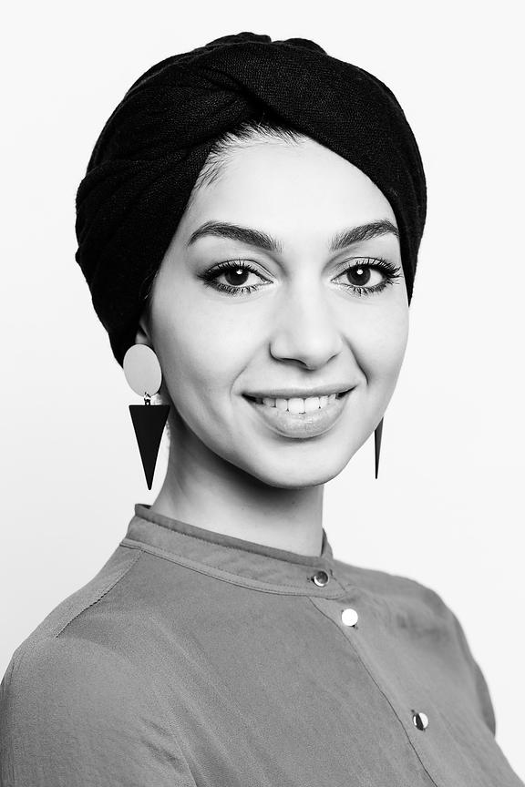 54-IMG_4475-RightfullySewn-Headshots-LinaQaisy-bw