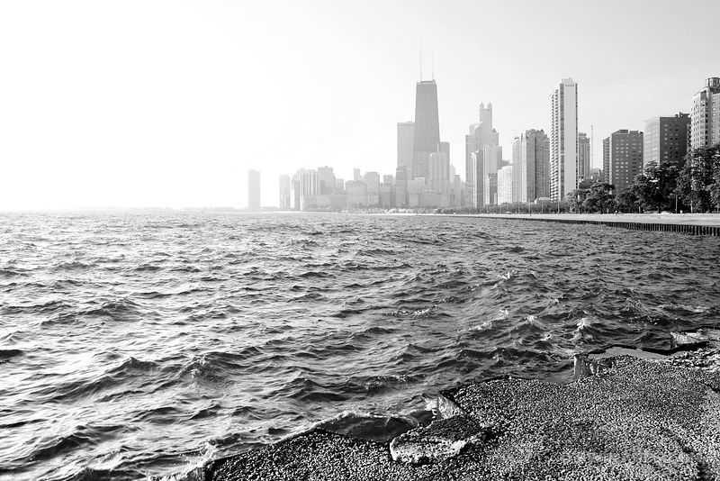 CHICAGO LAKEFRONT BLACK AND WHITE