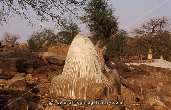 Sacred altar in Tireli, a cliff village built on the slopes of the Bandiagara escarpment, Dogon Country, Mali
