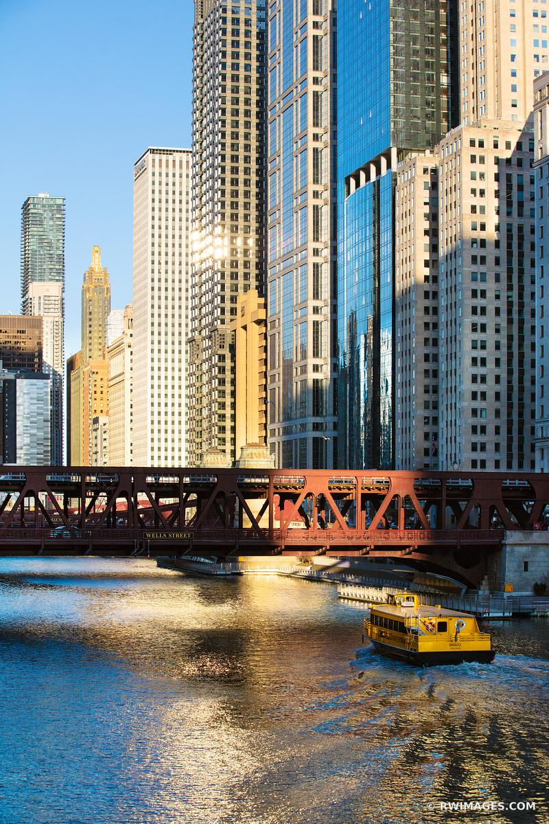 WELLS STREET BRIDGE CHICAGO RIVER CHICAGO ILLINOIS COLOR VERTICAL
