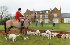 Cottesmore hounds at Bleak House - The Cottesmore Hunt at Bleak House