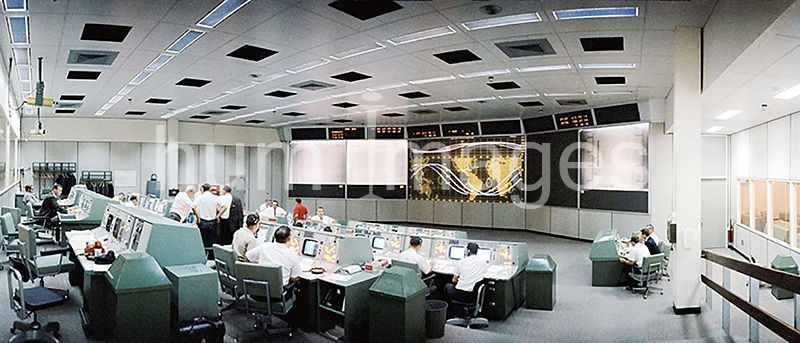 (21-29 Aug. 1965) --- Overall view of the Mission Control Center (MCC), Houston, Texas, during the Gemini-5 flight