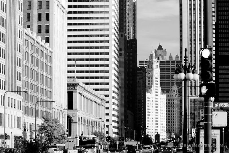 MICHIGAN AVENUE CHICAGO BLACK AND WHITE