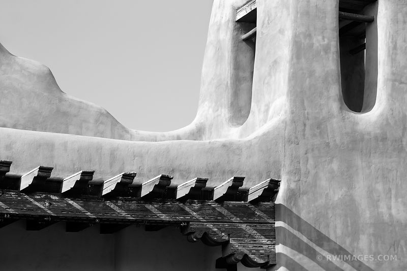 SANTA FE NEW MEXICO ADOBE BUILDING ARCHITECTURAL DETAIL BLACK AND WHITE