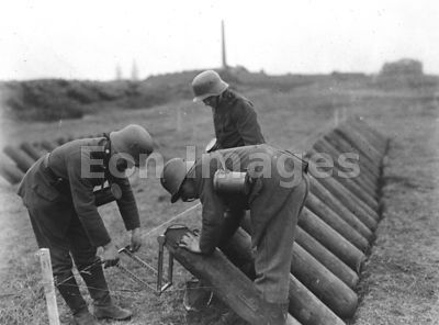 Germans learn to aim gas mortars during WWI