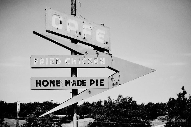 FRIED CHICKEN HOME MADE PIE ROUTE 66 BLACK AND WHITE
