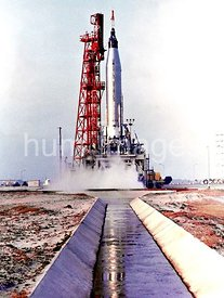 Scott Carpenter's Aurora 7 Mercury Atlas rocket lifts off from Pad 14, Cape Canaveral, Florida, on May 24, 1962.