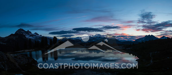 Aug 21st, 2016: The morning sky lights up with color at sunrise over Elfin Lakes in Garibaldi Provincial Park near Squamish. Photo by Scott Brammer - coastphoto.com