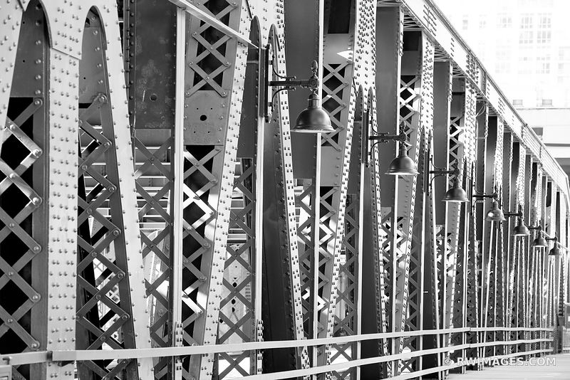 WELLS STREET BRIDGE CHICAGO DRAWBRIDGE CHICAGO ILLINOIS BLACK AND WHITE