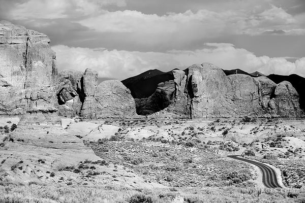 ARCHES NATIONAL PARK UTAH BLACK AND WHITE
