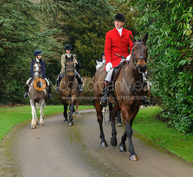 Nicholas Leeming arriving at the meet - The Cottesmore Hunt at Little Dalby 7/2