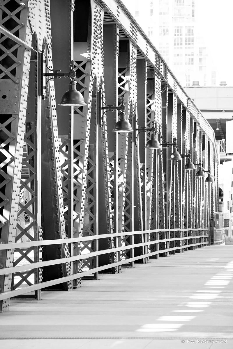 WELLS STREET BRIDGE CHICAGO DRAWBRIDGE CHICAGO ILLINOIS BLACK AND WHITE VERTICAL