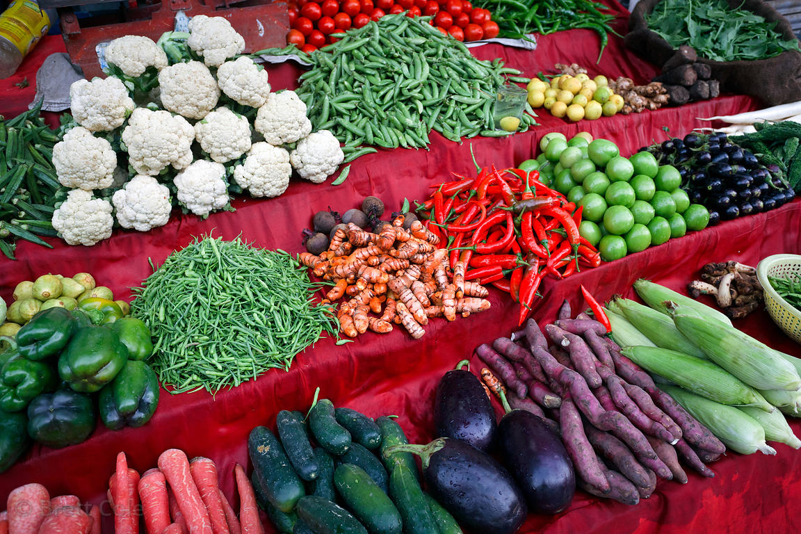 Vegetables and fruits for sale at a marklet in Jodhpur, Rajasthan, India