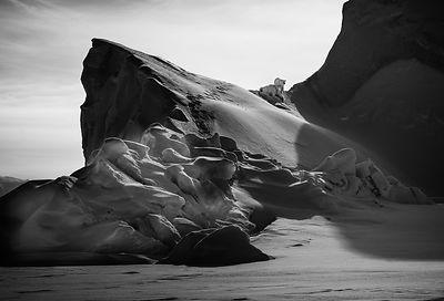 9269-Black_iceberg_Laurent_Baheux