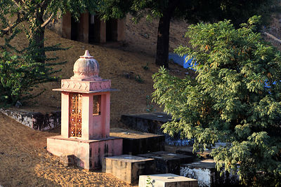 Small shrine in the desert near the Gayatri temple, Pushkar, Rajasthan, India