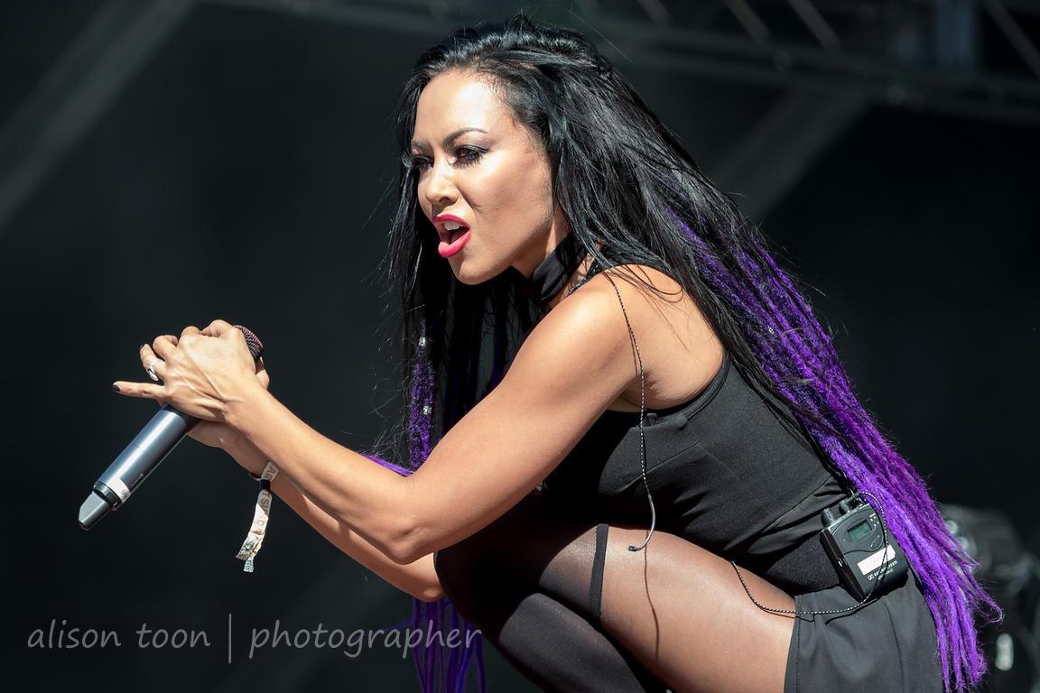ALISON TOON | PHOTOGRAPHER | Carla Harvey, vocals, Butcher