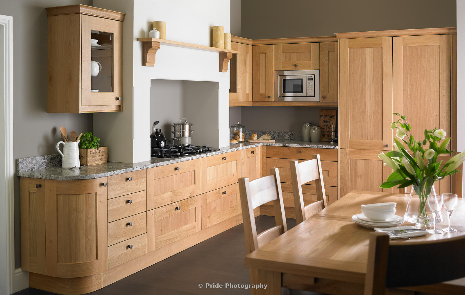 Daval_Kitchens_Oak_Main