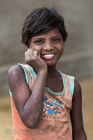 Indigent girl in Pushkar, Rajasthan, India