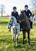 Zoe Andrew, Louisa Fear at the Cottesmore Hunt meet at Pickwell Manor 8/1