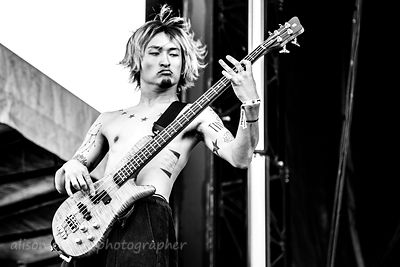 Ryota, bass, One OK Rock