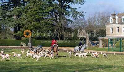 Huntsman Andrew Osborne MFH with the Cottesmore foxhounds