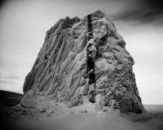 1064-Ice_s_Black_Laurent_Baheux