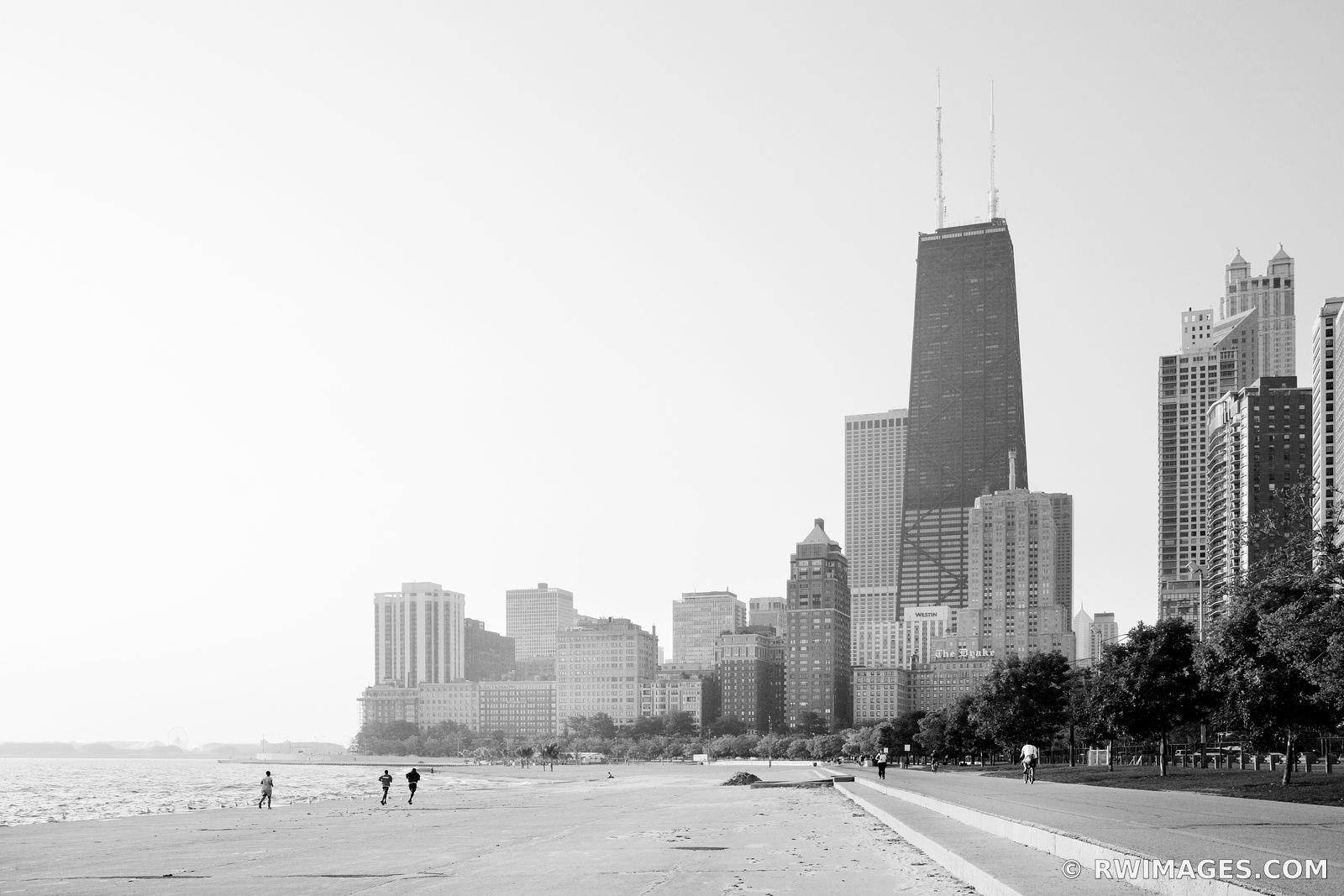 RUNNERS BIKERS AND WALKERS AT CHICAGO DOWNTOWN LAKEFRONT BLACK AND WHITE