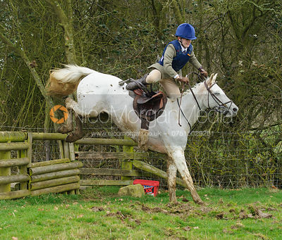 The Cottesmore Hunt at Newbold 18/2