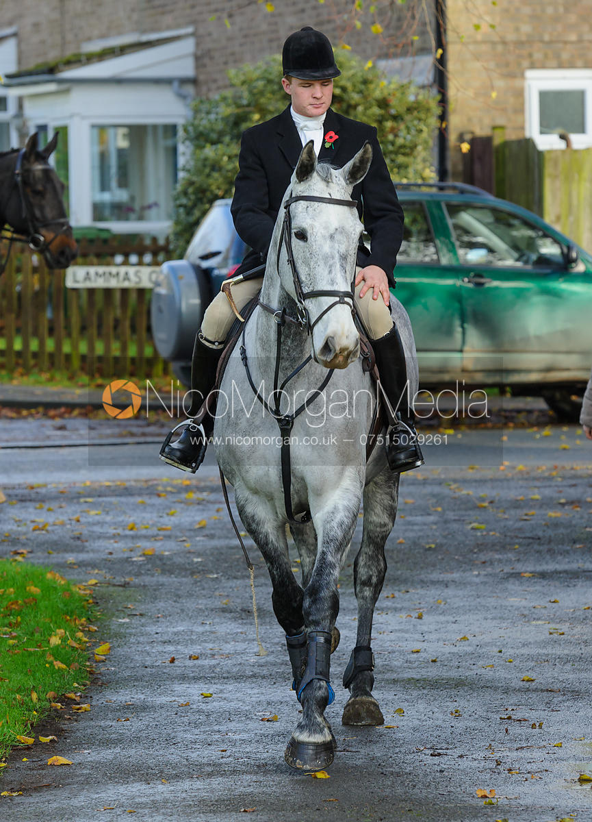 William Grant - The Cottesmore Hunt at Braunston, 12-11-13.