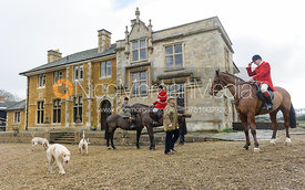 Hunt staff and hounds at Little Dalby Hall - The Cottesmore Hunt at Little Dalby 7/2