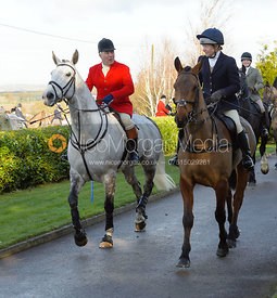 Stephen Rayns, Clare Bell leaving the meet - The Quorn at Barrowcliffe Farm