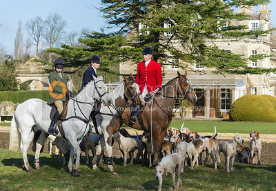 Huntsman Andrew Osborne MFH with followers