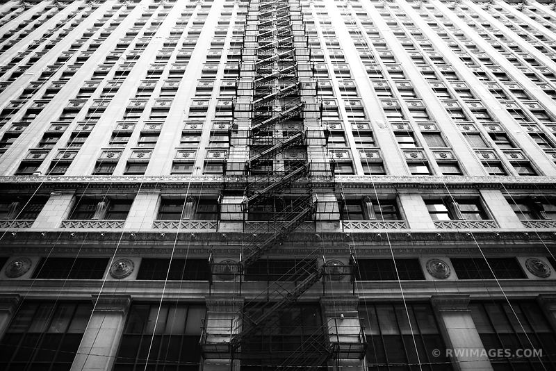 CHICAGO ARCHITECTURE DOWNTOWN CHICAGO BLACK AND WHITE