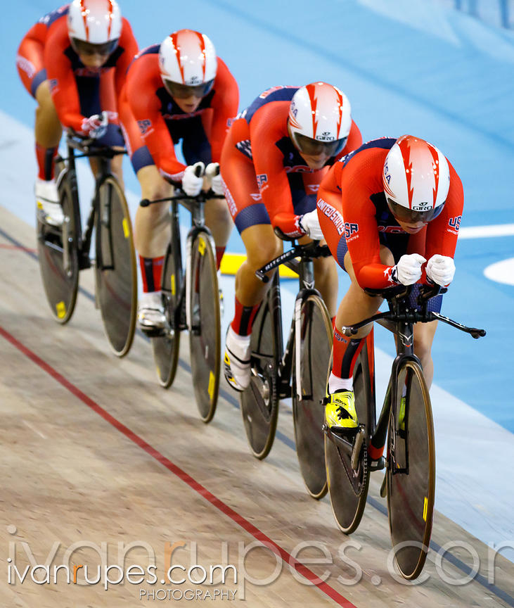Women's Team Pursuit 1st Round, Track Day 1, Toronto 2015 Pan Am Games, Milton Pan Am/Parapan Am Velodrome, Milton, On; July ...