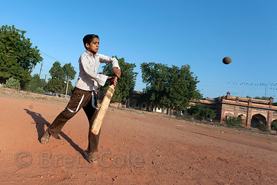 Children play cricket in Jodhpur, Rajasthan, India