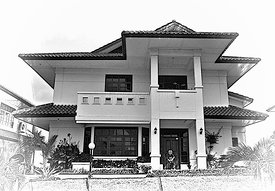 4.3_Back_to_Batam_Lisa_s_house_B_W_sized
