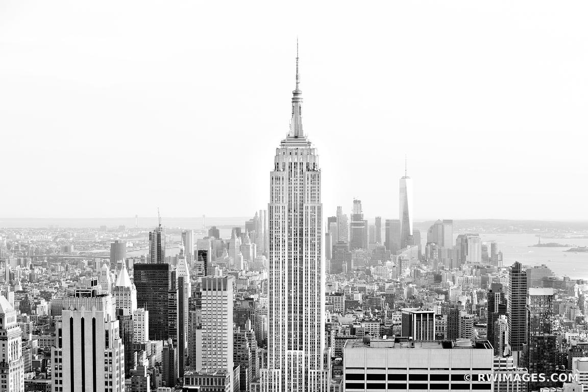 EMPIRE STATE BUILDING MANHATTAN SKYLINE NEW YORK CITY BLACK AND WHITE