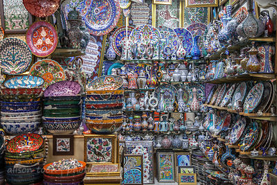 Ceramics and pottery in the Grand Bazaar, Istanbul