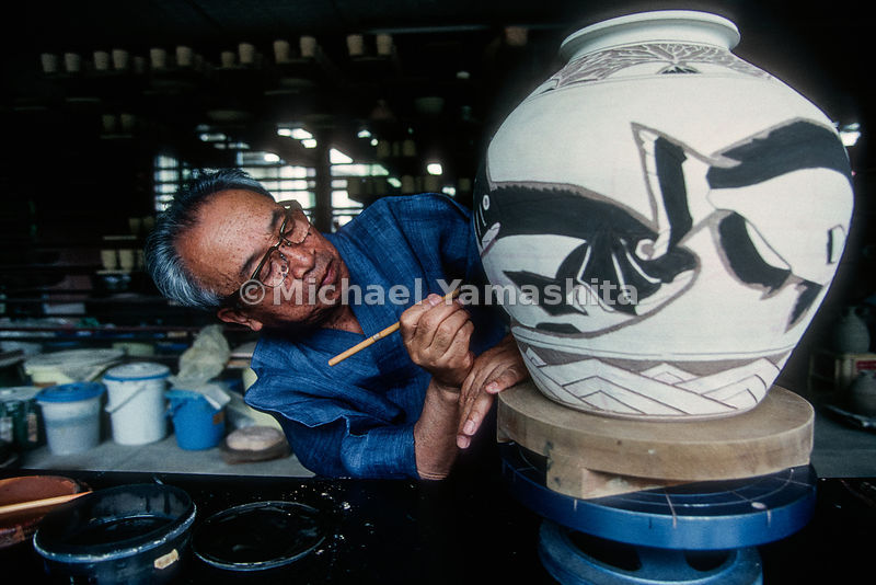 Karatsu Potter, 19th generation.Karasu, Saga, Japan