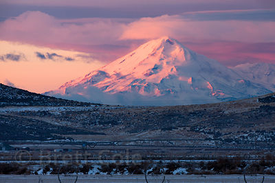 Mount Shaste in pre-dawn alpenglow, from the Oregon-California state line near Tule Lake, California.
