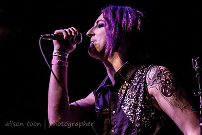 David Wright, vocals, Snow White Smile, Ace of Spades, Sacramento