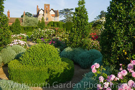 Loseley House. © Rob Whitworth
