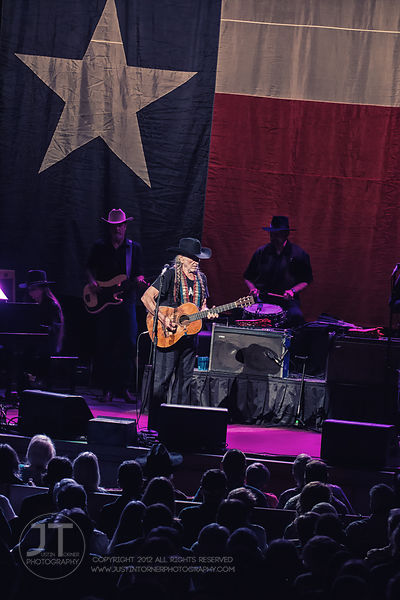 Hoopla - Willie Nelson, Paramount Theatre, May 18, 2015