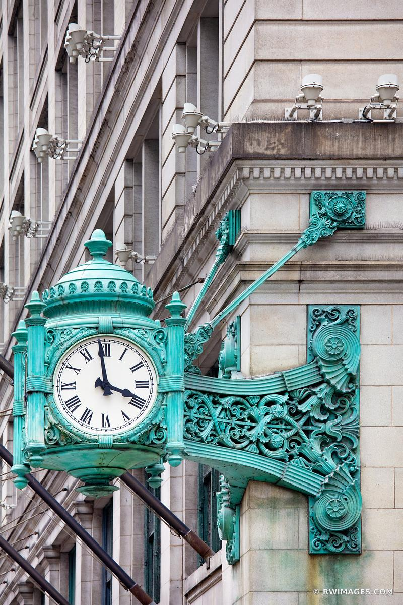 MACY'S CLOCK MARSHALL FIELDS CLOCK STATE STREET CHICAGO ILLINOIS COLOR