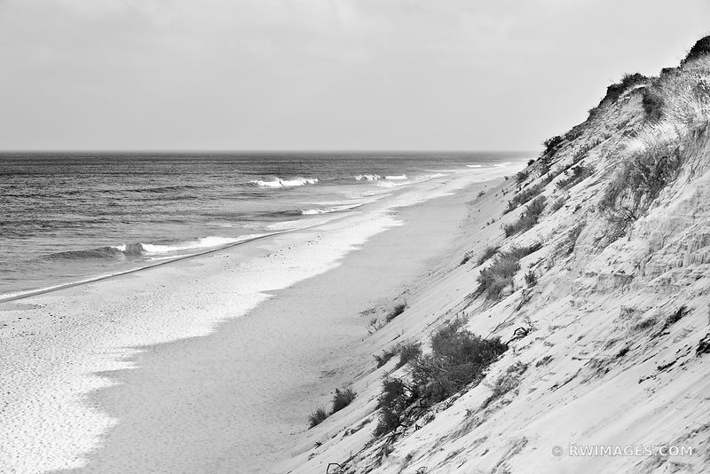 MARCONI BEACH CAPE COD BLACK AND WHITE