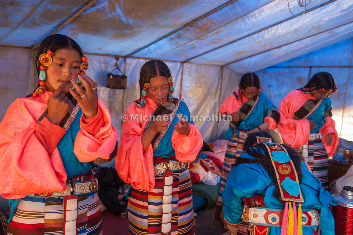 Chamadao, Route 317, Nakchu Horse Festival, Biggest ever we are told. Last year's was cancelled due to Tibet's uprising. Nakc...