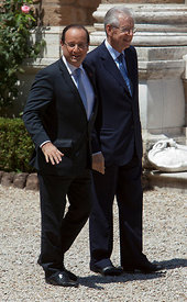 Francois Hollande and Mario Monti