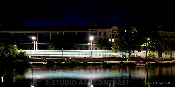 nantes_by_night_tram_ligne2_longexposure_reflet_erdre_puddle_panorama_6000_3000_signee
